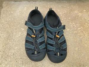 Keen Waterproof Walking / Hiking /Beach  Sandals size 5 Washable