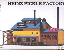 MODEL POWER HO SCALE HEINZ PICKLE FACTORY BUILDING KIT