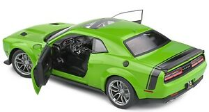 2020  DODGE CHALLENGER R/T SCAT PACK WIDEBODY GREEN 1:18 SCALE BY SOLIDO 1805704