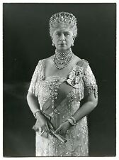FINE BLACK & WHITE PHOTO OF QUEEN MARY WEARING THE VLADIMIR TIARA