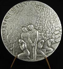 Médaille 1973 aux mort de 2nd huerre mondial 2nd WW2 pieusement Joachim  Médai