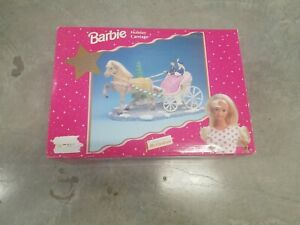 MR. CHRISTMAS HOLIDAY BARBIE CARRIAGE! W/ Horse Original Box Musical- 30 Songs