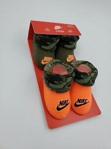 2 Pair Nike Baby Booties, Size 0-6 Months, Green, Orange Camo, Shower Gift L34MP
