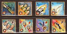 56T3 CAMBOYA 8 Sellos sellados:cosmonautas y satélites