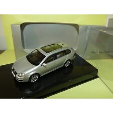VW GOLF V VARIANT  Gris Reflex Silver AUTOART 1:43