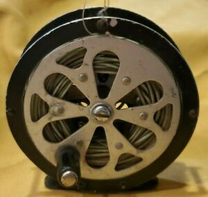 Vintage Pflueger Sal-Trout 1554 fly Reel with Line