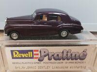 Revell Praline 84403 Pkw H0 1:87 Bentley Limousine dunkellila OVP