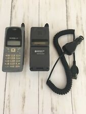 Vintage Cell Phone Lot Of 2 With 1 Charger Motorola
