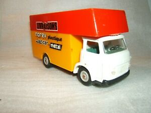 Camion livraisons SAVIEM SG4 NOREV n°132