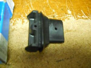 NOS 1979-1991 FORD COUNTRY SQUIRE ROOF LUGGAGE CARRIER FRONT RAIL RETAINER (LH)