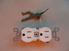 Hubbell Duplex Receptacle Outlet 15A 125V Ivory *FREE SHIPPING*