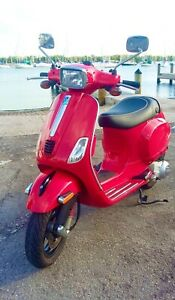 Vespa S150ie, 150cc, yr 2013, red. Low miles!