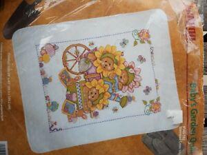 JANLYN baby Quilt Stamp Cross Stitch