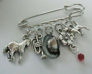 Remembrance Day / ANZAC Slouch Hat Trumpet Horse Dog Poppy Red Brooch Kilt Pin