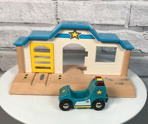 Brio Lights & Sound Police Station & Car for wooden train track - incomplete