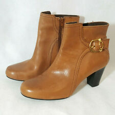 Clarks Bendable Leather Ankle Boots Sz 7.5 Brown Heel Gold Buckle Zip
