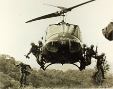 US Army Vietnam Helicopter Soldiers 6x5 Inch Reprint Photo D