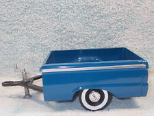1/18 SCALE DIECAST 1965 FORD UTILITY TRAILER IN BLUE BY SUN STAR NO BOX.