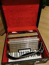 Hohner Akkordeon , CONCERTO III, 72 Bässe mit Koffer und Gurten