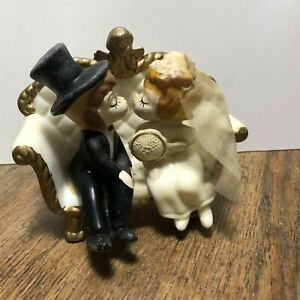 Vintage 1970 Wilton Bride And Groom Kissing on couch cake topper