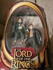ToyBiz Lord of the Rings Fellowship MERRY & PIPPIN w/ Elven Cloaks New Red Card