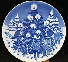 Royal Copenhagen Danish Childrens Christmas Plate Dancing Around Tree 1998 3/1
