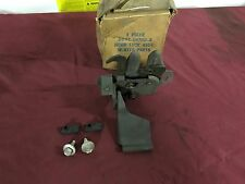 NOS 70-71 FORD TORINO RANCHERO HOOD LATCH D0OZ-16700-A