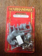 Warhammer. Bretonnian Caballeros del reino Comando, estándar. Sellado. Metal.