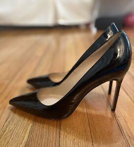 NWOT Manolo Blahnik. BB Black Patent Pointed Toe Pumps Black Size 41. 105 mm