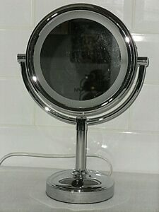 Boots No7 Silver Illuminated / Magnification Vanity Mirror