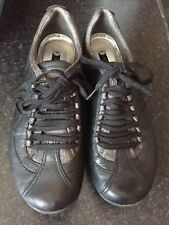 Clarks Ladies Leather Shoes Size 4.5