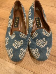 "Zalo Women's Needlepoint Shoes Size 7 M clam shells blue white 9.75"" long nice!"