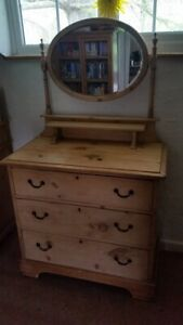 Antique Victorian/Edwardian pine dressing table with mirror