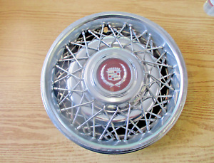 1987 to 1992 Cadillac Fleetwood Brougham wire spoke hubcap wheel cover scratched