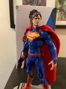 DC Comics Icons Superman Statue 2841/5200DC Collectibles