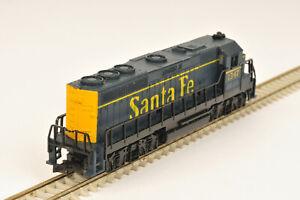 N Gauge Life-Like GP-40 Santa Fe Locomotive - Needs New Traction Tyres