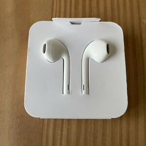 White Earphones Ear Pods for iPhone 11 / 12 Pro Mini X XR XS Max Apple Connector