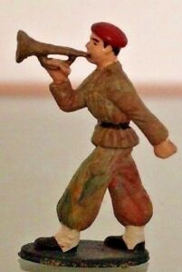 Michel Plastic Legionnaire Musician Trumpet to the / Of Parade Beret Red Years