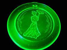 Green Vaseline uranium glass Christmas ornament sun catcher X-mas Victorian neon