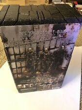 Hot Toys MMS-104 Terminator T-600 Endoskeleton Human Disguise Sideshow Exclusive