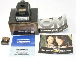 Olympus OM System Electronic Flash T32 + Box + Manuals / Photography Camera