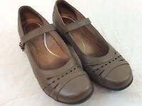 Dansko Taupe Brown Womens 41 US Size 9.5 Buckle Strap Mary Jane Shoes