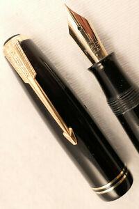VINTAGE 1946 CLASSIC BLACK & GOLD PARKER VACUMATIC  FOUNTAIN PEN ~ RESTORED!