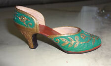 """Just the Right Shoe """"Carved Heel"""" 1999 Miniature Green Shoe Figurine # 25096"""