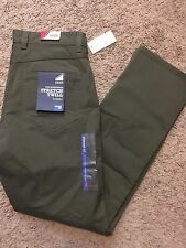 IZOD Men The Weekender Flat Front Straight Fit Stretch Twill Pants 38x29 MSRP$58