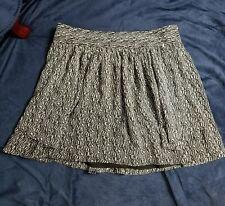 Gap Size 4 Skirt Black with White Print sheer pockets zipper very flowy