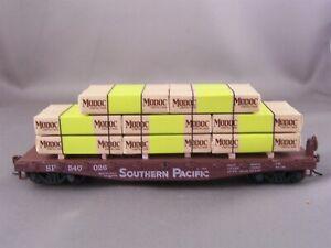 Athearn - Southern Pacific - 40' Flat Car w/Lumber Pak Load # 540026 Lot B