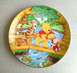 Kenleys Winnie The Pooh Cartoon Classics Collectable Plate