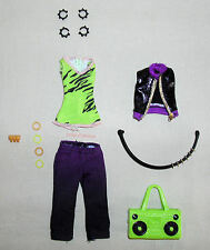 Monster High Clawdeen Wolf I Heart Love Fashion Outfit Clothes Top Pants Jewelry