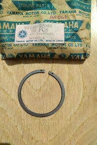 YAMAHA G/box Bearing Circlip 93440-52009 RD350LC TZ2/350 Genuine